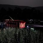 Maishäckseln bei Nacht