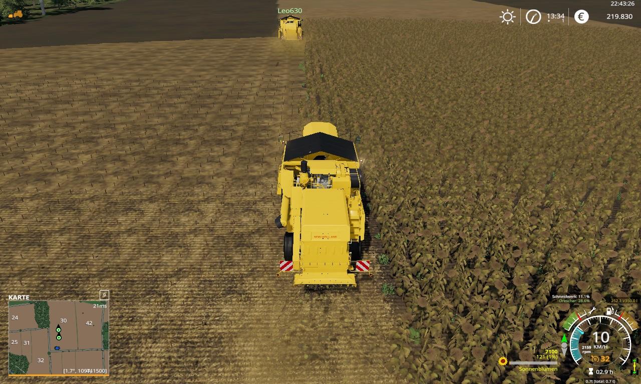 @Leo630 und ich (Nov) im MP bei einer Lohndienstleistung auf Feld 30 mit 2 Dreschern ohne Unfall auf der Geiselsberg!